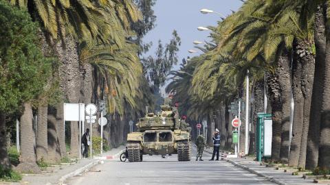 Char de l'armée à Tunis